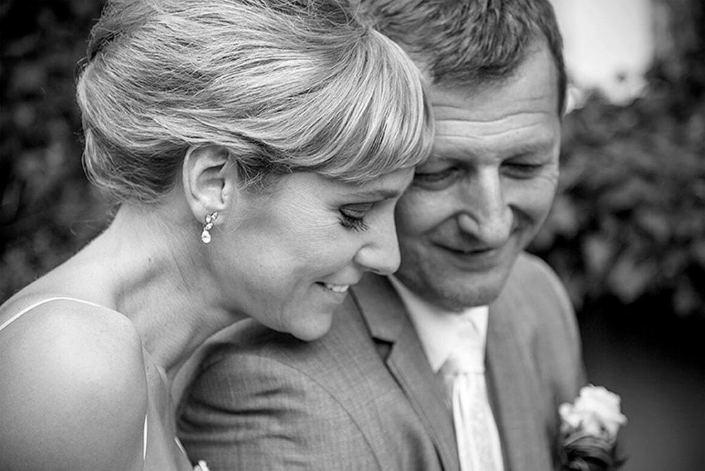 Hudba na svatební obřad a k oltáři, příchod ženicha a nevěsty