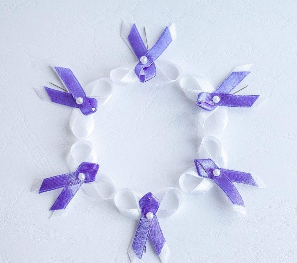 Levné svatební vývazky fialové