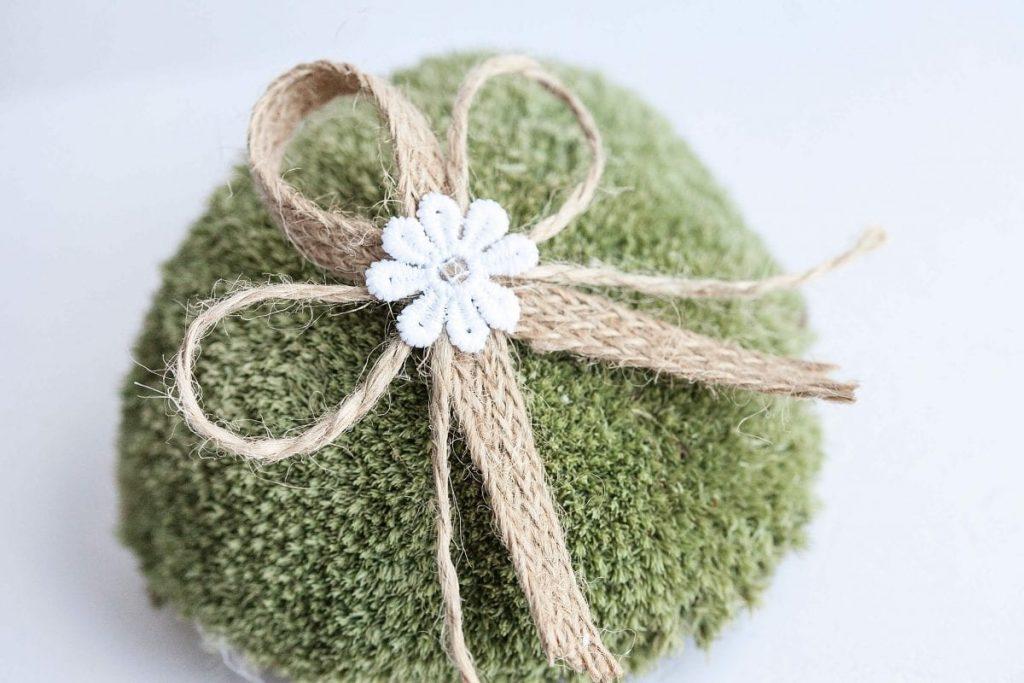 Rustikální svatební vývazky s kytičkou