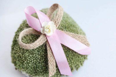 Přírodní svatební vývazky s jutou a papírovou kytičkou