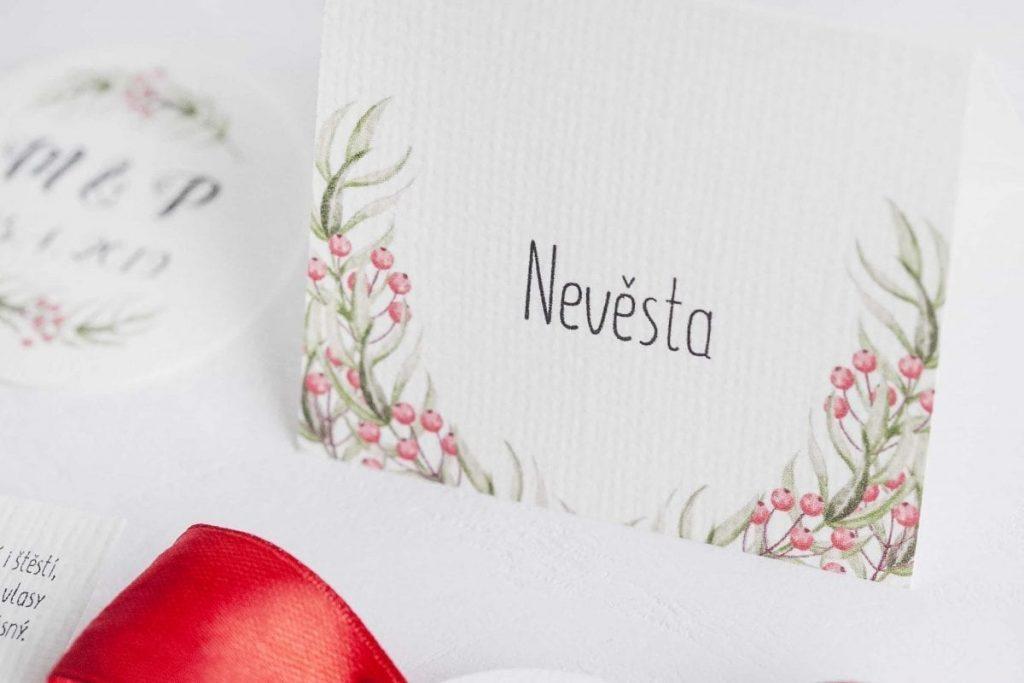 Přírodní jmenovka ke svatebnímu stolu